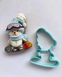 Paku Malzeme - Plastik kalıp Ayıcık on Skateboard; 10,3*8 cm