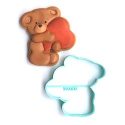 Paku Malzeme - Plastik kalıp Kalp Yastıklı Ayıcık; 9*8,9 cm