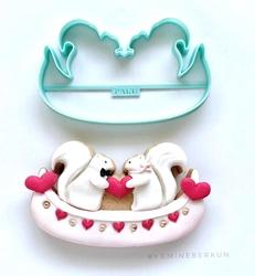 Paku Malzeme - Plastik kalıp Kanoda Aşık Sincaplar; 12*7,2 cm