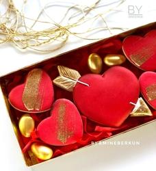 Paku Malzeme - Plastik kalıp Oklu Kalp Eros; 9,8*8,5 cm (1)