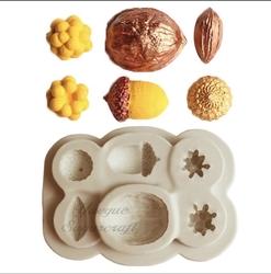 Paku Malzeme - Silikon kalıp Nuts; 9,1*6,5 cm