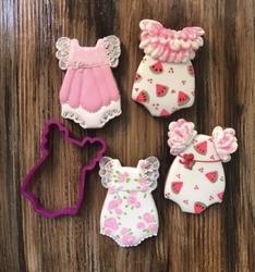 Paku Malzeme - Plastik Kalıp Babygirl Onesie Bebek Tulumu; 9*6,1 cm (1)