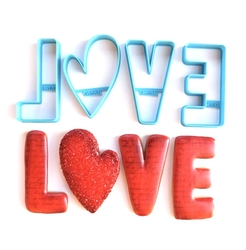 Paku Malzeme - Plastik kalıp LOVE kutu harfler; 9 cm